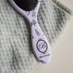 Spend a slow moment on this weekend to help you through any stresses you may be experiencing 🍃Spotted: 🏡 Microfiber hair towel 💕 DIY Detangling Brush#beauphoria #beauphoriababe